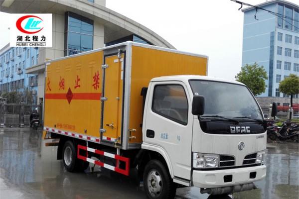 东风小多利4.1米易燃液体厢式运输车【三类 蓝牌】