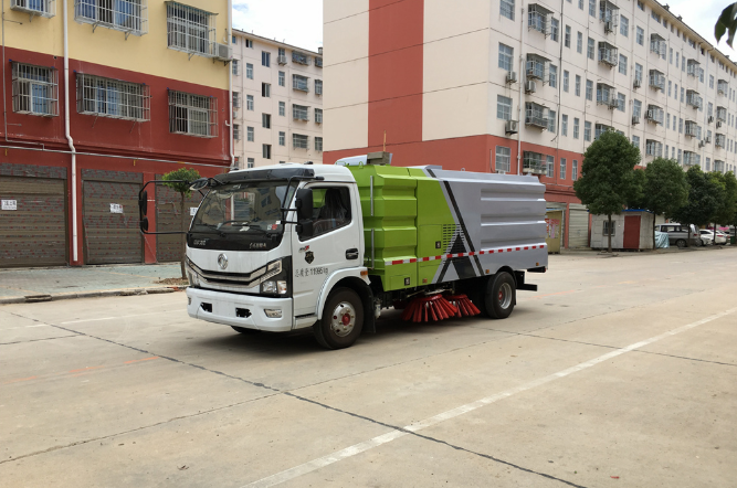 国六.东风D7【2.5方水.5方尘】智能扫路车